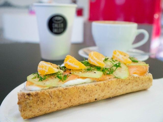 Chleb Sklep Kanapka z lososiem