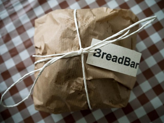 BreadBar Razowy ze śliwką