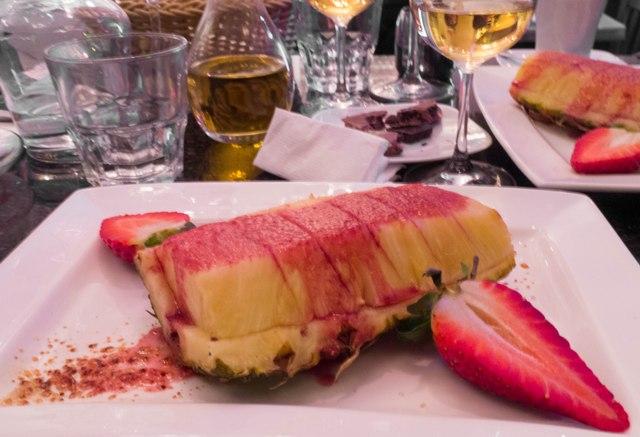 Rybny piątek w Superiore Ananas z grilla z sosem śliwkowym