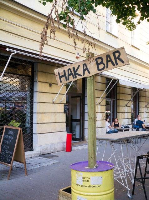 HAKA Bar Szyld