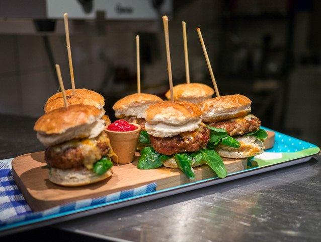 MOMU Mini burgery