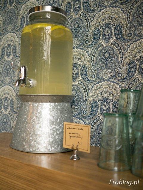 Palce Lizać Lemoniada