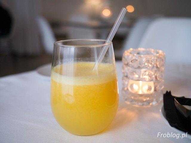 Aleje 3 Świeżo wyciskany sok z pomarańczy