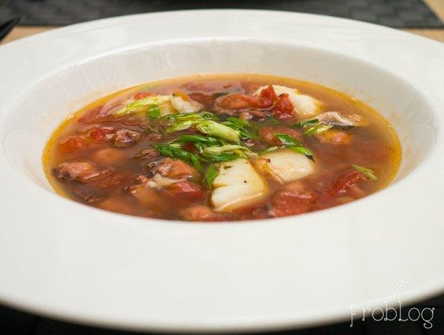 Signature Menu Zupa z ośmiornicy, pomidorów i bazylii
