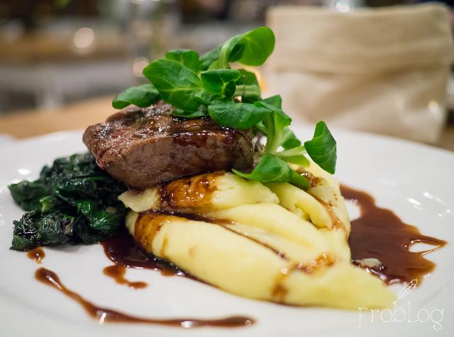 InFormal Kitchen Stek z polędwicy wołowej