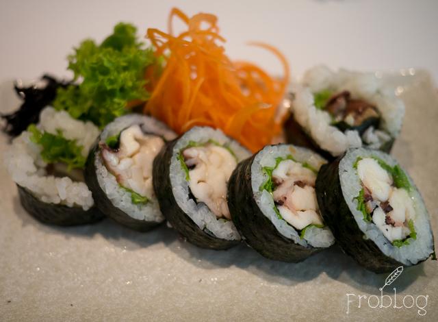 Wabu Sushi Maki z ośmiornicą i glonami wakame