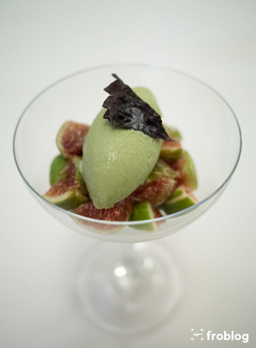 Monastrell: Świeże figi z lodami shiso