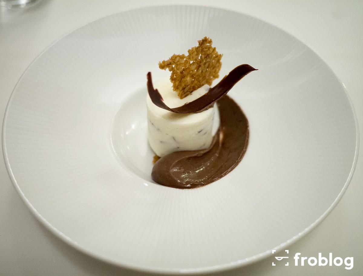 Monastrell: Lody o smaku whisky, krem z mlecznej czekolady i chrupki owies