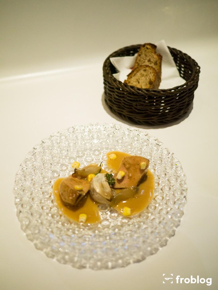 Tickets: Marynowana foie gras z suszoną kukurydzą i pieczonym czosnkiem