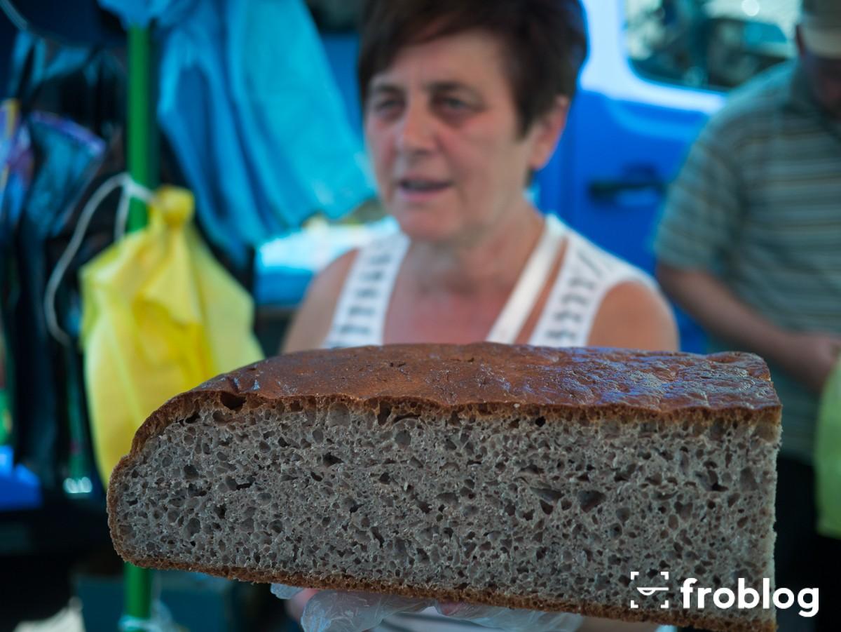 Targ w Żarkach-Chleb Tatarczuch