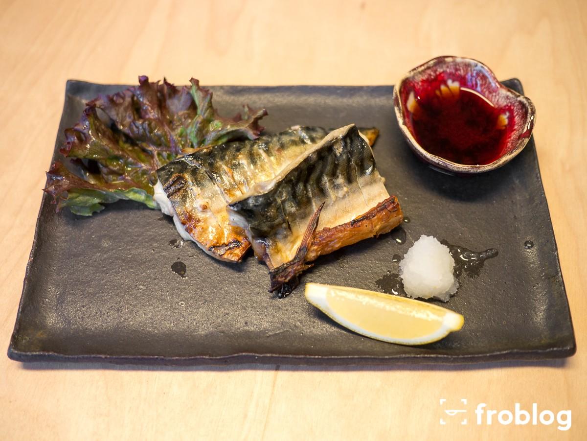 sato-gotuje-grillowana-makrela-z-sosem-sojowym-i-rzodkwia
