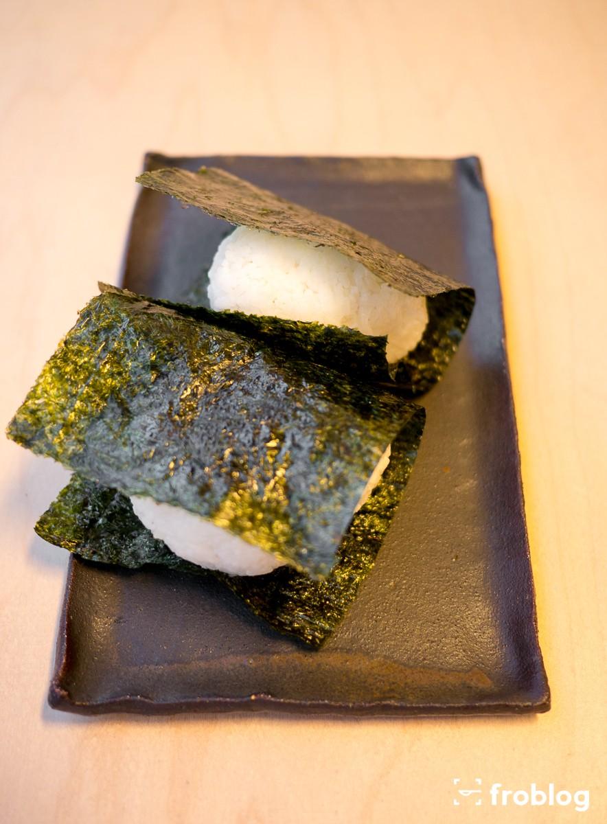 sato gotuje onigiri